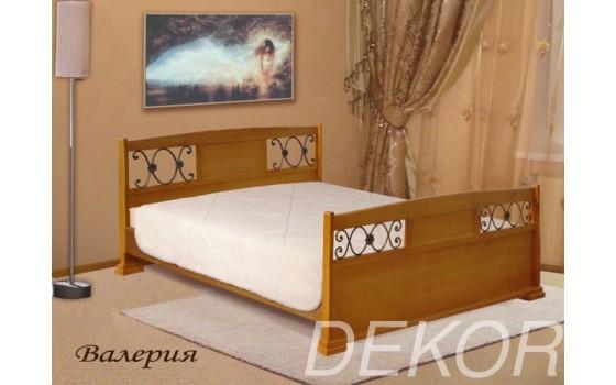 """Кровать из массива с коваными вставками в спинки  """"Валерия"""""""