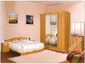 """Набор мебели для спальной комнаты """"Светлана-17"""" с комодом и прикроватными тумбами"""